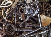 Vieilles clés squelettiques image stock