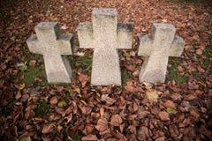 Vieilles croix de tombe image libre de droits
