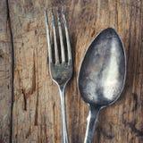 Vieilles cuillère et fourchette photographie stock libre de droits