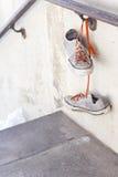 Vieilles espadrilles utilisées Photo stock
