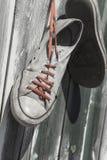Vieilles espadrilles utilisées Image stock
