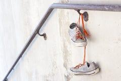 Vieilles espadrilles utilisées Photos libres de droits