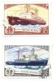 Vieilles estampilles de poteau avec des bateaux Photographie stock libre de droits