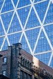 Vieilles et modernes constructions Image libre de droits