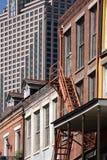 Vieilles et modernes constructions de ville Photos libres de droits