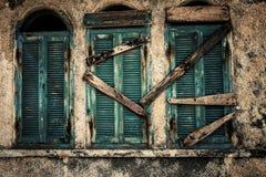 Vieilles fenêtres Photo libre de droits