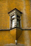 Vieilles fenêtres en saillie Photos stock