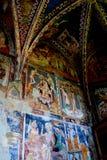 Vieilles icônes dans l'église saxonne enrichie Malancrav Images libres de droits