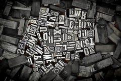 Vieilles lettres en métal images stock
