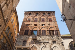 Vieilles maisons à Sienne, Italie Images libres de droits