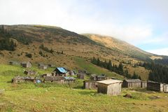 Vieilles maisons dans les montagnes Images stock