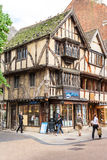 Vieilles maisons de fachwerk avec des boutiques et des restaurants à Oxford, Englan Images libres de droits