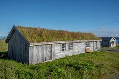 Vieilles maisons des échanges de Pomor de Hamningberg dans Finnmark, Norvège images libres de droits