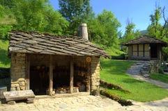 Vieilles maisons en pierre dans Etar, Bulgarie Photographie stock libre de droits