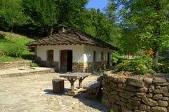 Vieilles maisons en pierre dans Etar, Bulgarie Images stock