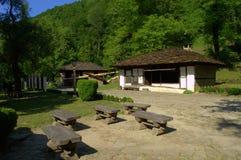 Vieilles maisons en pierre dans Etar, Bulgarie Photos stock
