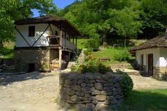 Vieilles maisons-Etar en pierre, Bulgarie Photographie stock libre de droits
