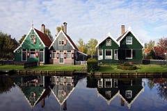 Vieilles maisons hollandaises en Hollande Image libre de droits