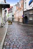 Vieilles maisons sur les vieilles rues de ville tallinn l'Estonie Photographie stock