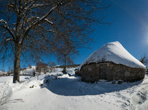 Vieilles maisons traditionnelles de montagne galicienne Photos libres de droits