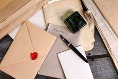 Vieilles périodes - écriture de lettre d'amour Images libres de droits