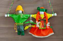 Vieilles perruches folkloriques russes traditionnelles de poupées Image stock