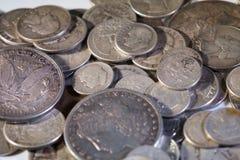 Vieilles pièces de monnaie américaines argentées Image libre de droits