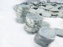 Vieilles pièces de monnaie en aluminium Détruit à temps Photo libre de droits