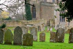 Vieilles pierres tombales. Image stock