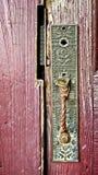 Vieilles poignée et serrure de porte du ` 1800 s Photo stock