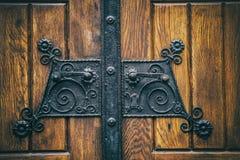 Vieilles poignées de porte noires Images stock