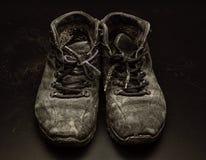 Vieilles portées chaussures Images libres de droits