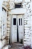 Vieilles portes des îles de cycldes, grecques Photographie stock