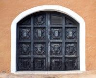 Vieilles portes en bois images libres de droits