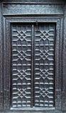 Vieilles portes en bois avec la serrure photo libre de droits