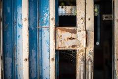 Vieilles portes rouillées de fer Photo libre de droits