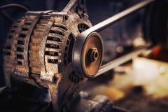 Vieilles poulie et ceinture de la voiture image stock