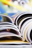 Vieilles revues avec les pages de dépliement Images libres de droits