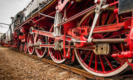 Vieilles roues locomotives Photos stock