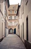 Vieilles rues de ville photographie stock libre de droits
