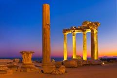 Vieilles ruines dans le côté, Turquie au coucher du soleil Photo libre de droits