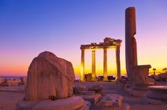 Vieilles ruines dans le côté, Turquie au coucher du soleil Images stock