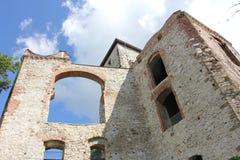Vieilles ruines polonaises de château Photo stock