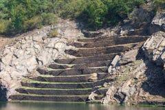 Vieilles terrasses abandonnées pour des vignobles Images stock