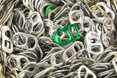 Vieilles tractions en aluminium d'anneau image stock