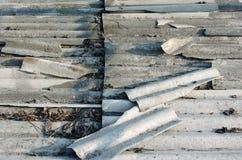 Vieilles tuiles de toit grises, vue supérieure Photo libre de droits