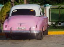 Vieilles voitures américaines au Cuba Photos libres de droits