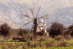 Vieja área de Lassithi de los molinoes de viento, isla Creta, Grecia imagen de archivo libre de regalías