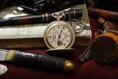 Vieja aún-vida del reloj fotos de archivo libres de regalías