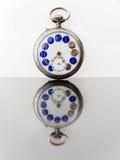 Vieja aún-vida del reloj Fotografía de archivo